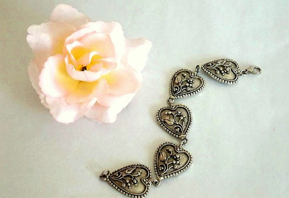 SALE Vintage heart bracelet, silver tone bracelet, silver, bracelet, floral bracelet, antique silver tone bracelet