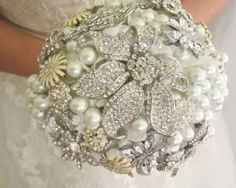 Brooch bouquet, Brooch and pearl bouquet, Alternative bridal bouquet,Custom bouquet - Made to order