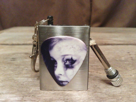 Creepy kid match lighter