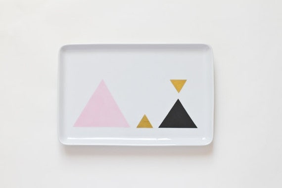 Geometric triangle serving platter