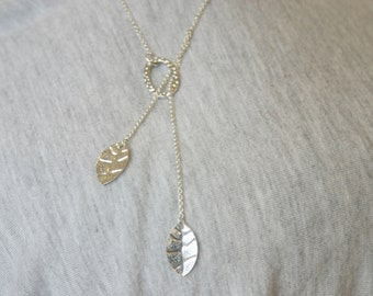 Silver lariat necklace with leaves