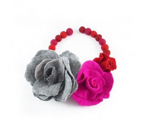 Felted Collar felt Roses Necklace Pink Grey Rose art jewerly nunofelt Nuno felt LA BELLE EPOQUE collar silk fairy floral Fiber Art boho