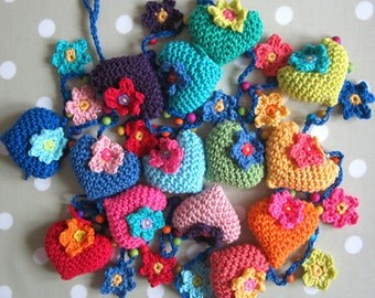Hearts and Flowers Crochet Garland Pattern