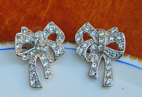 Vintage Earrings- Bow Rhinestone Suds - 1980's - Lovely Bridal or Every Day