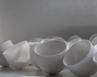 Miniature white bowl in stoneware, fine bone china