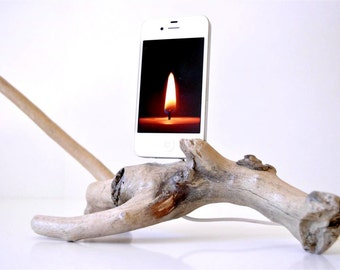 iPhone 4s dock - Natural driftwood - The Unicorn