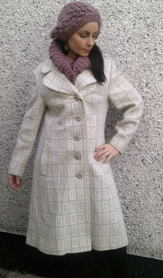 Pale grey and beige mid-length vintage wool coat size 10