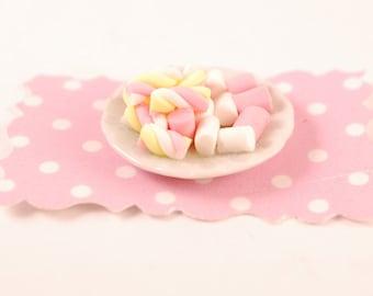 miniature marshmallow  plate
