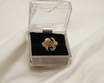 "Vintage AVON ""Whirlwind"" Goldtone Ring with Snug Fit Insert"
