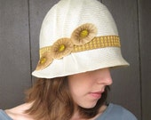 Straw Cloche Hat, 1920s Style, Ivory Womens Hat, Gold Trim, Size 7 1/4, Handmade Millinery, Daisy