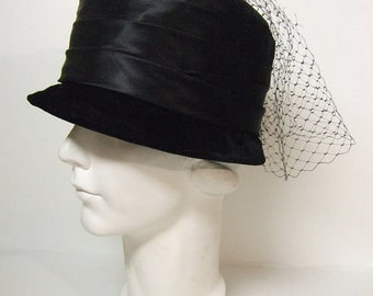 Cloche Your Eyes Vintage Cloche Hat Black Velvet Cloche Hat Satin Ribbon Netting 1960's 1920's  Flapper Cloche Hat