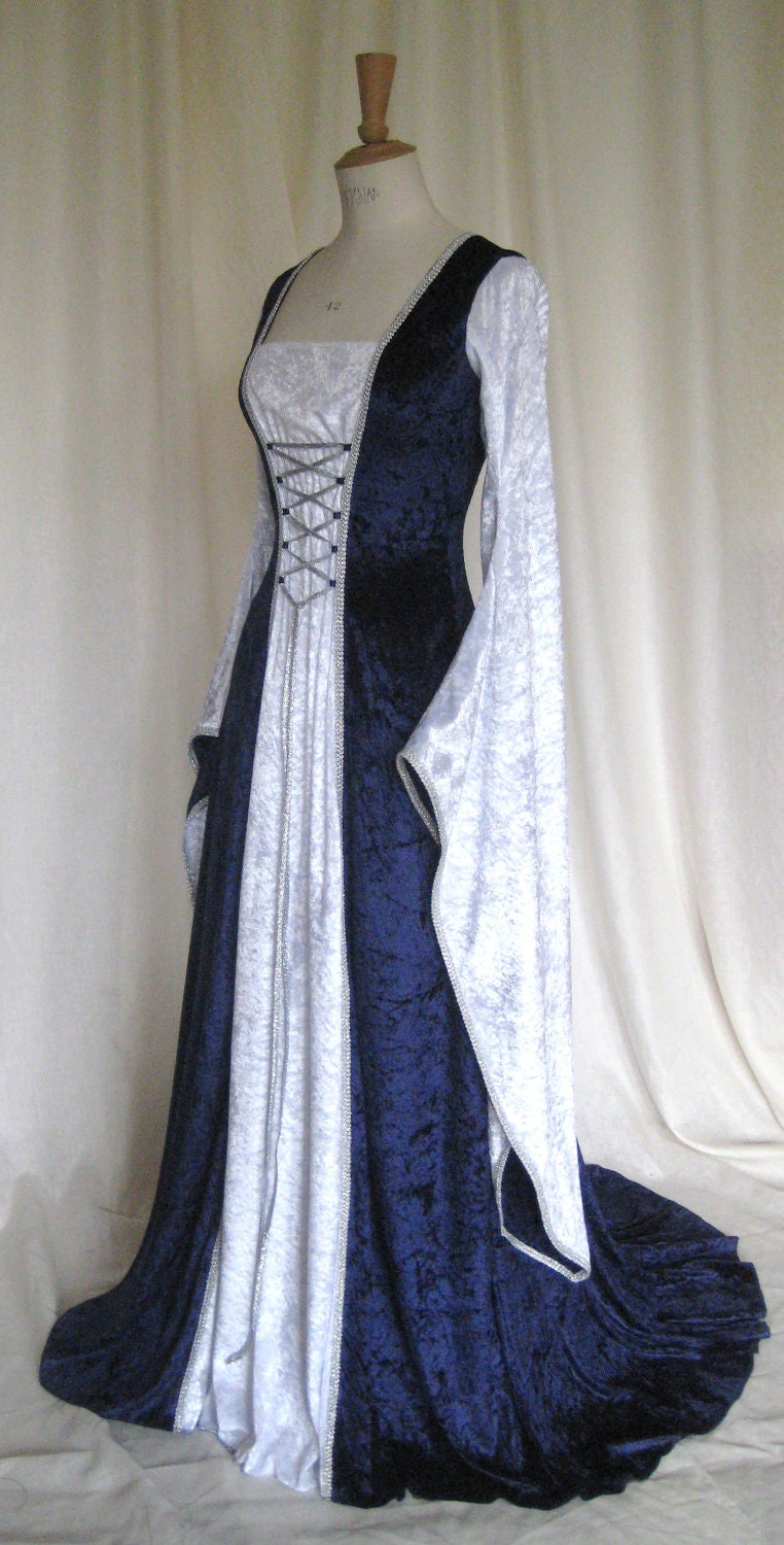 Erin a medieval gothic renaissance larp pagan for Have wedding dress made
