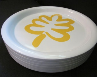 Classy 70s Picnic - 2 Ingrid of Chicago Plates - 12 inch Diameter Stackable Melamine