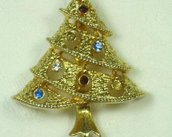 Vintage RHiNESTONE CHRISTMAS TREE BROOCH Holiday Pin Jewelry Gift