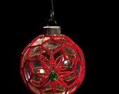 "Poinsettia hand beaded Christmas ornament wrap Pattern -- 2.5"" bulb"