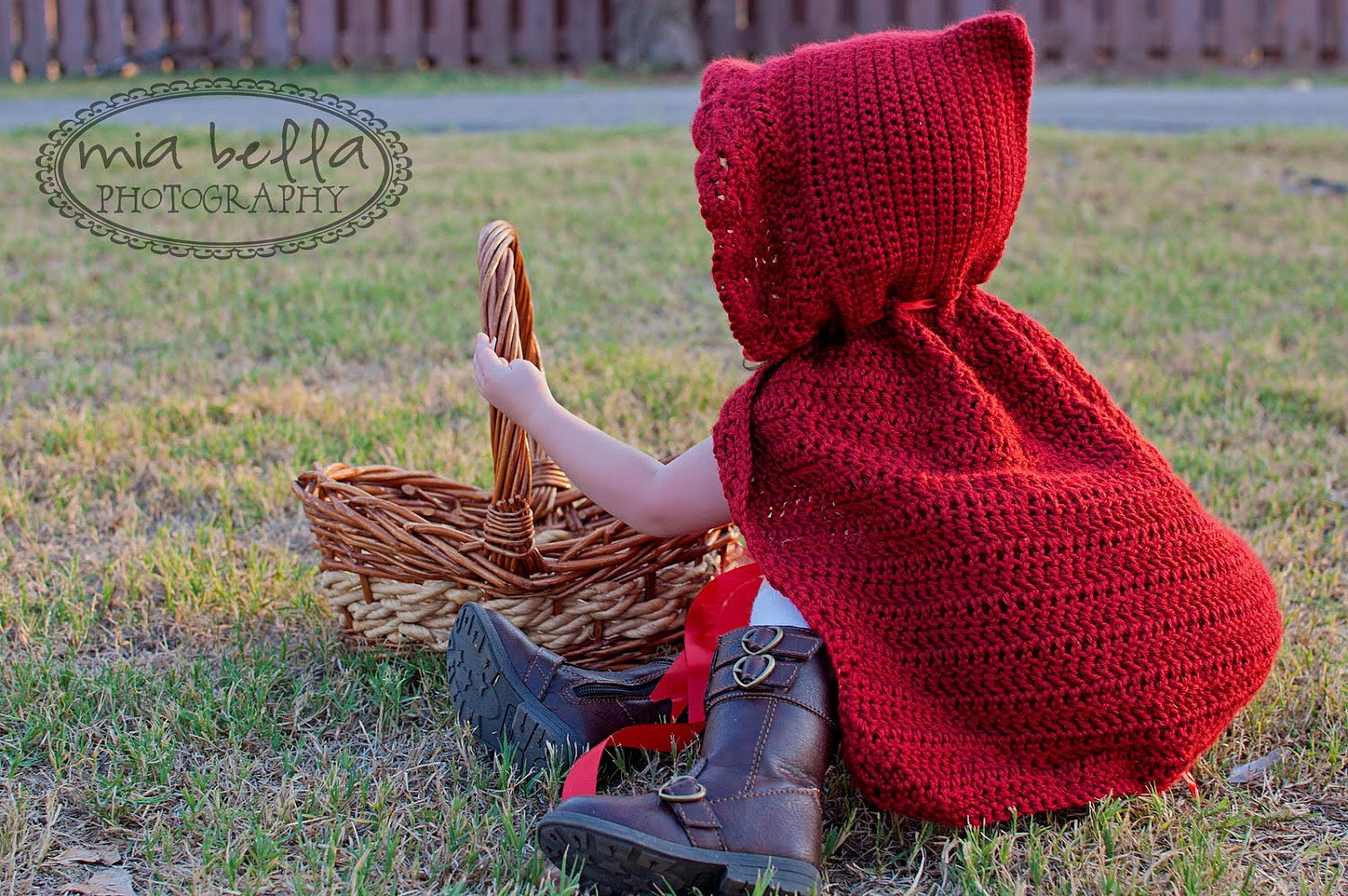 Free crochet pattern for little red riding hood cape manet for little red riding hood cape halloween costume for by free crochet pattern bankloansurffo Choice Image