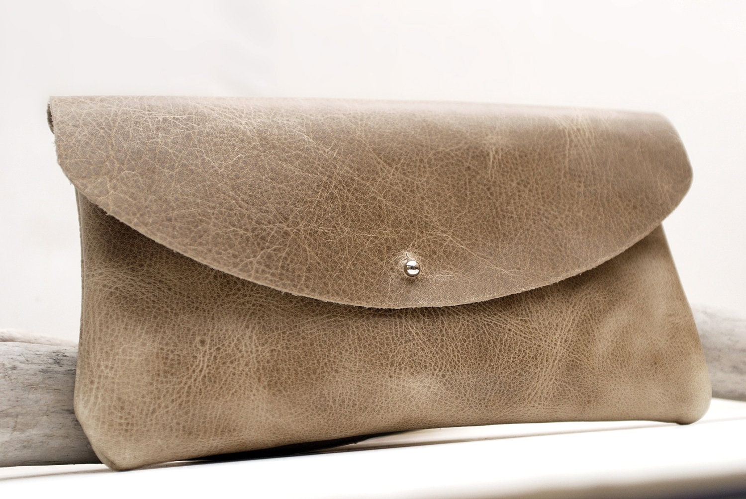 Taupe leather clutch bag. Oiled leather handbag. Bags and
