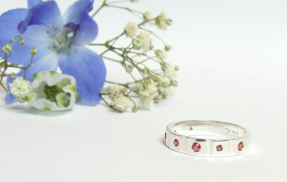 Songea Sapphire Ring