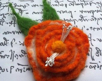 Felt flower brooch, hand felted jewelry, round, orange and white flower pin, felt flower hair clip, flower pin, corsage, big flower
