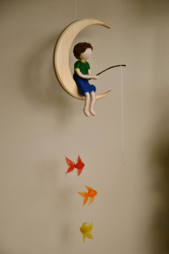 Baby Mobile Holz Schmetterling ~ Boys Mobile Waldorf inspired needle felted  The fishing boy in the