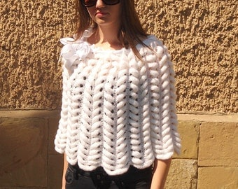 Knitted Capelet, White Poncho, Bride Capelet, Snow White Women Shrug, Spring Summer Clothing, Satin Ribbon Flower,