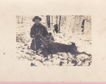 "Ca. 1908 ""Hunter and Buck"" Real Photo Post Card - 905"