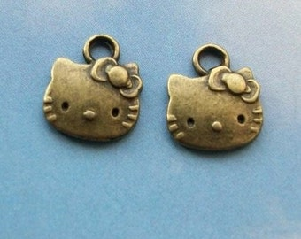 SALE - 40 Hello Kitty charms, bronze tone, 13mm, SALE