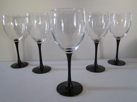 Vintage Two Wine Glasses 8 Oz Black Stem