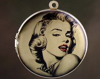 Altered Art PHOTO LOCKET - Marilyn Monroe Glamour- 30mm Art Locket