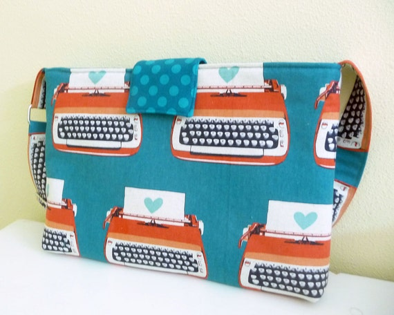 MacBook Pro 13 inch, Laptop Bag - Typewriter Love, adjustable strap