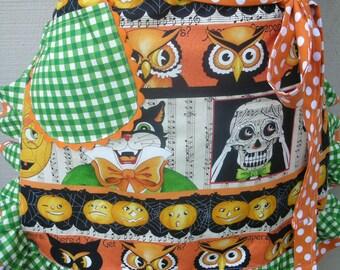 Halloween Aprons - Owl Aprons - Womens Half Apron - Women's Half Halloween Apron - Treat or Treat Aprons   - Halloween  Aprons