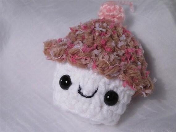 Cupcake Plush no. 318
