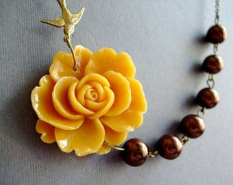 Pendant Necklace,Mustard Jewelry,Brown Jewelry,Bridesmaid Jewelry Set,Flower Necklace,Pearl Jewelry,Statement Necklace,Brown Necklace,Gift