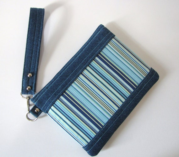 Large Wristlet Purse Clutch Make Up Carry All Pouch