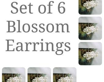 Set of 6 Bridesmaids Earrings, Six Swarovski Pearl Cluster Earrings, Bridal Party Gift, Wedding Earrings, Bridesmaids Gift, Bridal Earrings