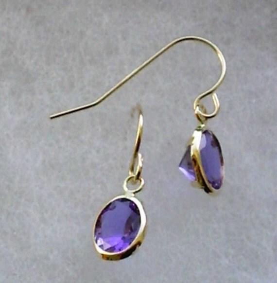 8x6mm Purple to Blue Color-Change Zandrites in 10k Yellow Gold Dangle Earrings