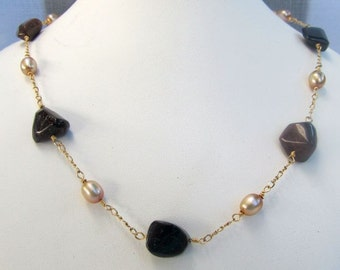 Tourmaline and Pearl Goldfill Wire-linked Necklace