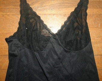 Vintage Vanity Fair Ladies Black Full Slip Size 34 TT