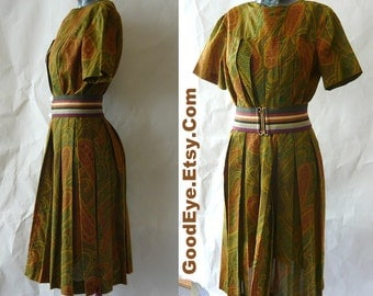Vintage 60s Pleated PAISLEY Day Dress small 4 6 8 Atomic Housewife Classic School Girl Olive Green