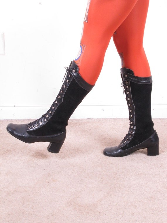 RESERVED// Vintage 1960s MoD 70s GoGo lace up black leather and suede boots sz 7 1/2