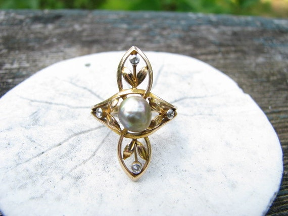 Charming, Unusual Art Nouveau 14K Gold Baroque Pearl and Old Cut Diamond Ring, Leaves and Blossoms