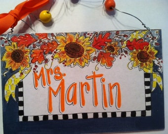 Hand personalized fall sunflower sign