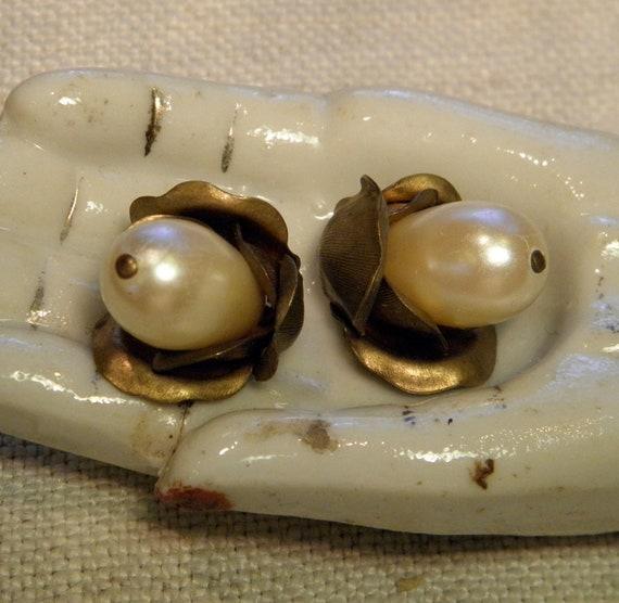 Vintage Brass Bead Caps Pearls Flowers