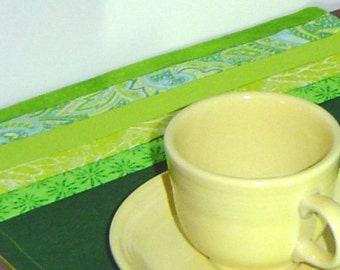 Green placemats, art deco placemats, green quilted mats, cotton placemats, green table art, quilted table mats, cotton placemats,2 placemats
