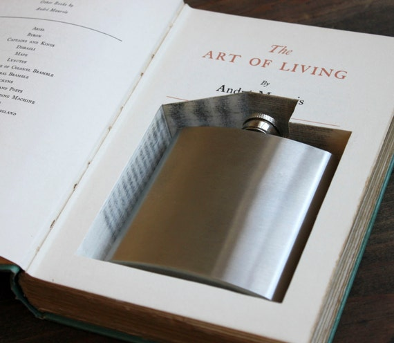 hollow book flask safe ''the art of living'' (flask included) -  old book with flask inside - great for groomsman or bridesmaid gift