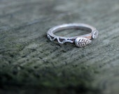 Leaf Wedding ring ecofriendly Silver Vine Twig nature Narrow stacking Handmade Rustic dainty jewelry leaves tree bark LITTLE LEAF BAND