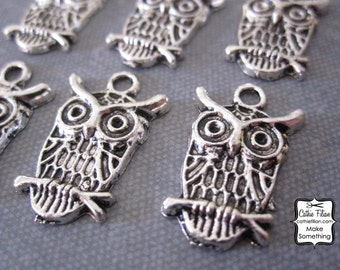 Owl Charms - set of 6 - Embellishment, Charm, Jewelry Making, Bracelet - Antique silver