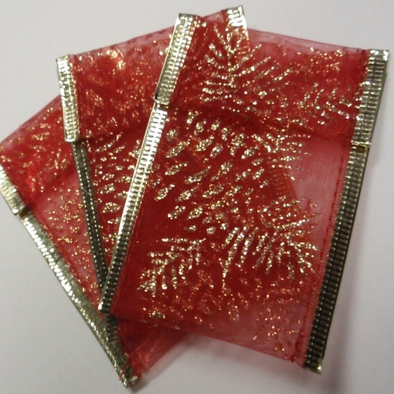 18 Ribbon Pouches - Red Gold Pinecone