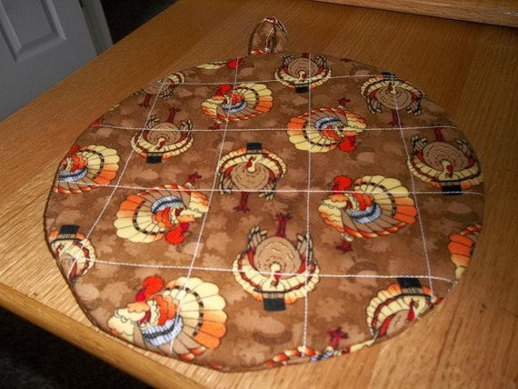 Thanksgiving Turkey Round Quilted Hot Pad or Pot Holder Cotton Fabric Insulated Trivet 9 Inches