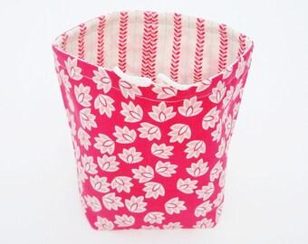 Reversible Drawstring Knitting bag or small project bag Kip bag Riley Blake red and white